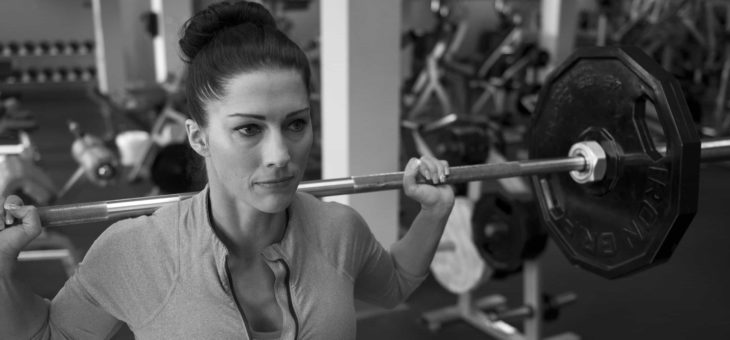 Should women lift heavy weights? Good or bad? | Women fitness tips
